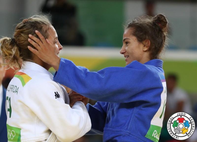 Judo-Odette-Giuffrida-Majlinda-Kelmendi.jpg