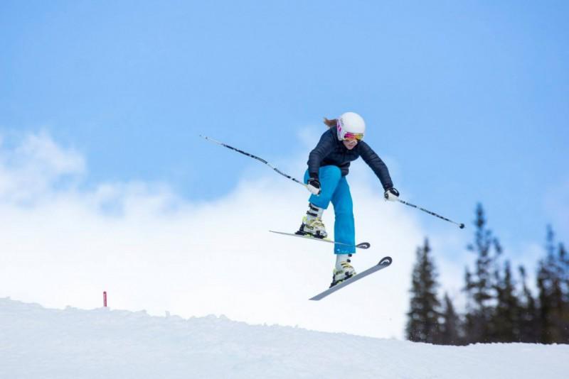 ski-cross-anna-holmlund-fb-holmlund.jpg