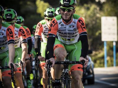 Ciclismo, brutta caduta per Paolo Simion: doveva evitare un'automobile. Ricoverato in ospedale