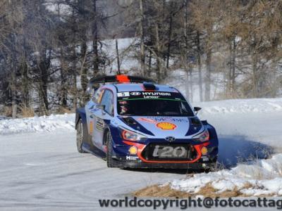 Rally di Svezia 2017, Thierry Neuville domina la seconda giornata e allunga sugli inseguitori