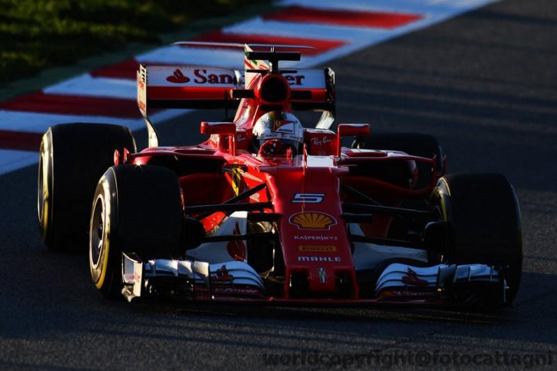 Vettel-10-Ferrari-FotoCattagni.jpg