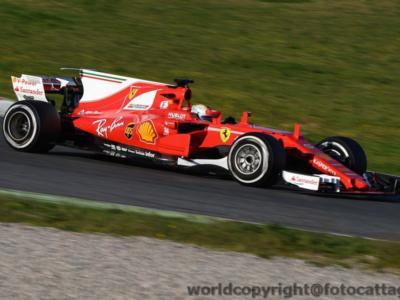 F1,GP Bahrain 2017 – Prove libere 2: Sebastian Vettel ancora il più veloce, ma la sua Ferrari si spegne. La Mercedes fa la voce grossa sul passo gara