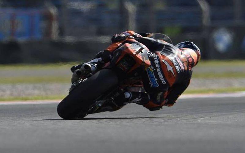 Moto2 Catalunya, Marquez va in fuga e vince