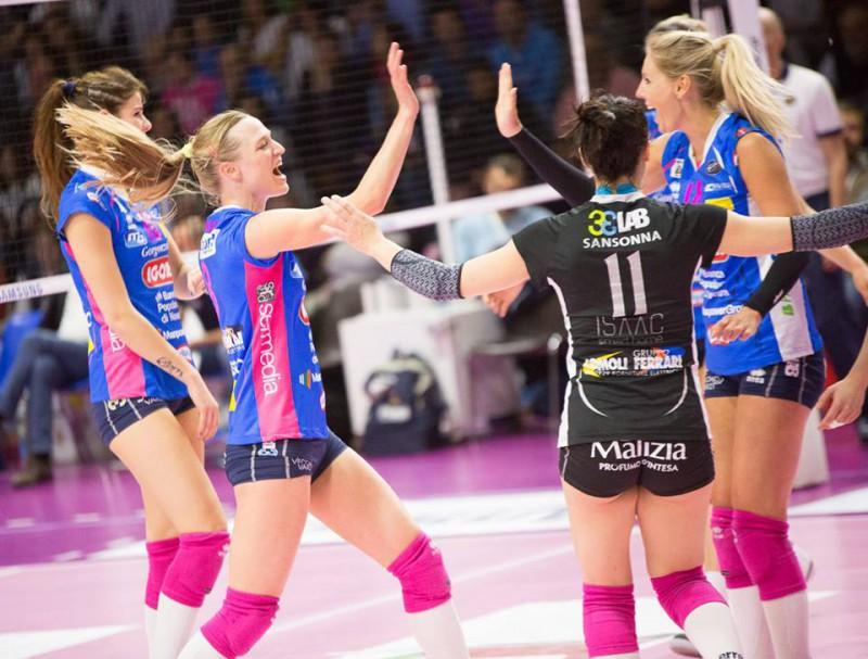 Volley, finale femminile: Novara pareggia i conti, 1-1