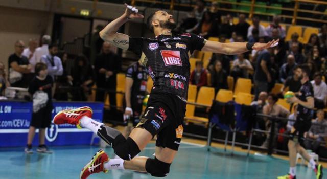 LIVE – Volley, Champions League: la semifinale Civitanova-Perugia in DIRETTA: 2-3, Zaytsev e compagni volano in Finale! Domani c'è lo Zenit Kazan, Juantorena delude