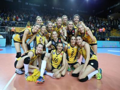 Volley femminile, il VakifBank Istanbul è Campione del Mondo! Nuovo trionfo di Guidetti, Bernardinho si arrende col Rexona