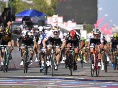 Giro d'Italia 2017: le pagelle della seconda tappa. Greipel fenomeno, sbagliano Ewan-Gaviria. Nibali ci prova con la squadra