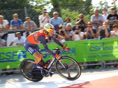 LIVE Vuelta a España 2017, cronometro Nimes in DIRETTA: Vince la BMC! Dennis in rosso, Froome il migliore dei big