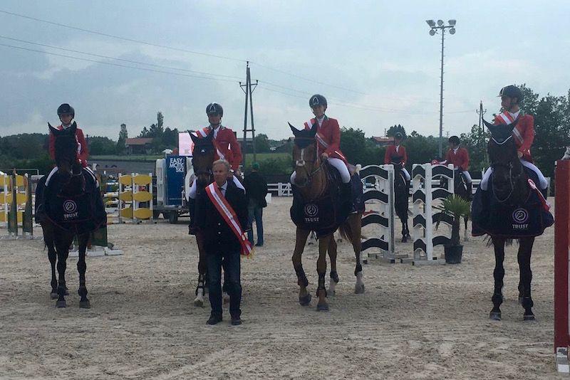 Italia-Young-Rider-Equitazione-Foto-FISE.jpg