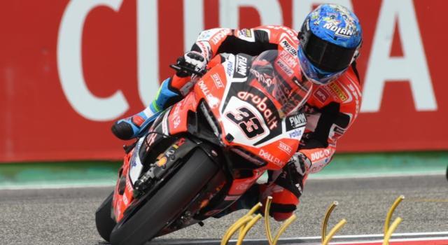Superbike, risultato qualifiche Round Spagna 2017: strepitosa SuperPole di Marco Melandri a Jerez davanti a Rea e Lowes