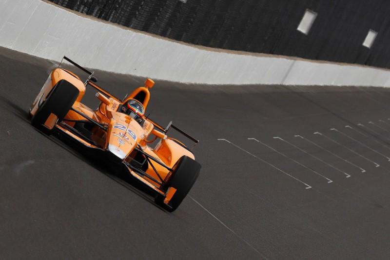 Fernando Alonso promosso a Indy Passato il rookie-test della 500 miglia