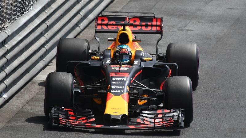 F1, GP Azerbaijan 2017: gara pazza, trionfa Ricciardo davanti a Bottas e Stroll. Vettel (4°) davanti a Hamilton (5°) ma è guerra tra i due! Ritiro per Kimi Rakkonen