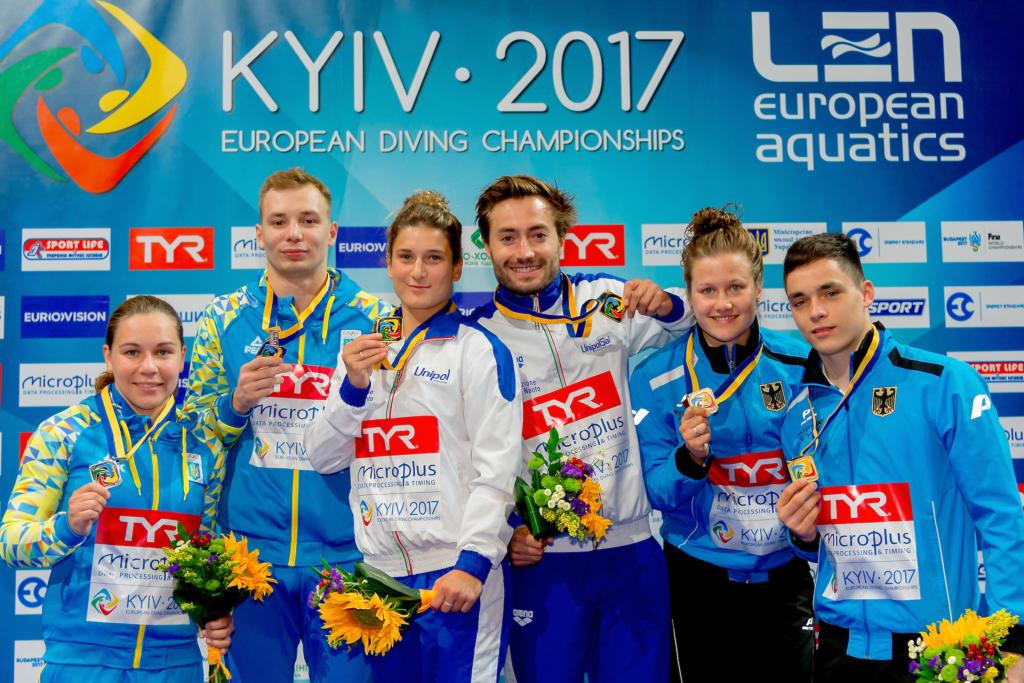 Il podio del sincro misto 3 metri agli Europei di Kiev 2017. Oro Italia, argento Ucraina, bronzo Germania. Foto da: Giorgio Scala/Deepbluemedia/Insidefoto/comunicato Len