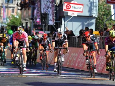 Giro del Delfinato 2017: Phil Bahuaus batte Démare in volata, sempre in giallo De Gendt