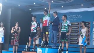 VIDEO – Ciclismo, Campionati Italiani: la premiazione di Fabio Aru, suona l'Inno di Mameli a Ivrea
