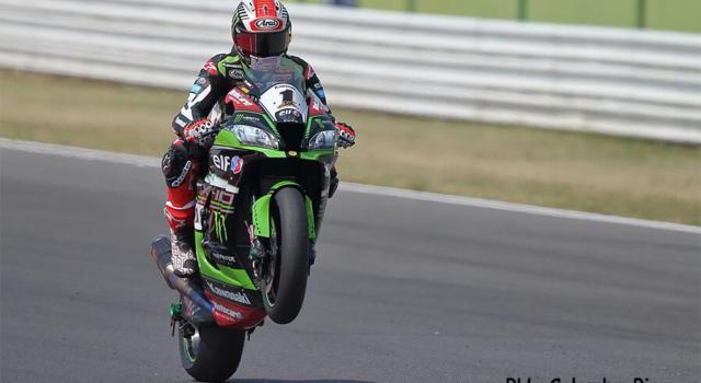 Ordine d'arrivo Superbike, GP Portogallo 2021: risultati e classifica gara-2. Rea vince davanti a Davies