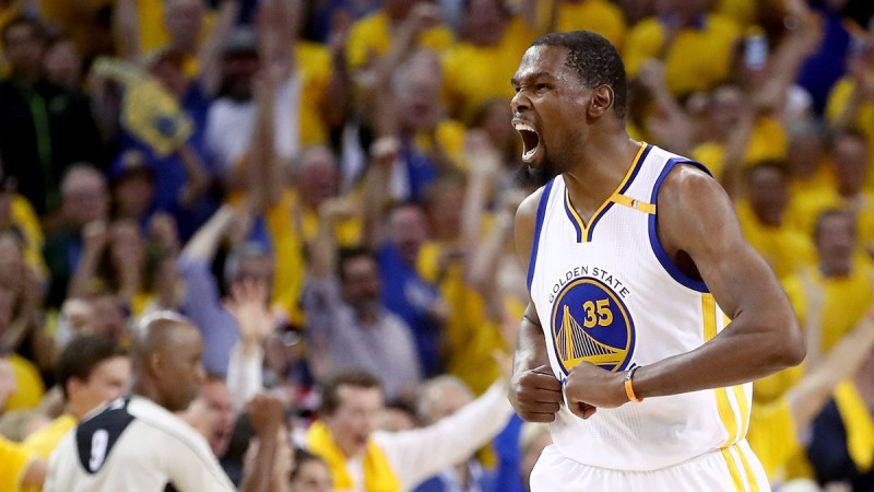 Kevin-Durant-Basket-Twitter-Golden-State-Warriors.jpg
