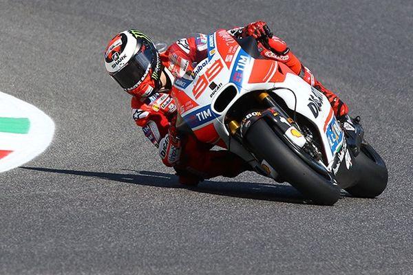 Mugello, Rossi in pista: Dovizioso vola nella MotoGp