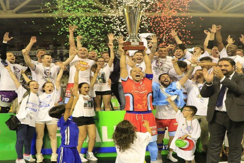 Luparense-Scudetto-2017-Calcio-a-5-Foto-divisionecalcioa5.it_.jpg