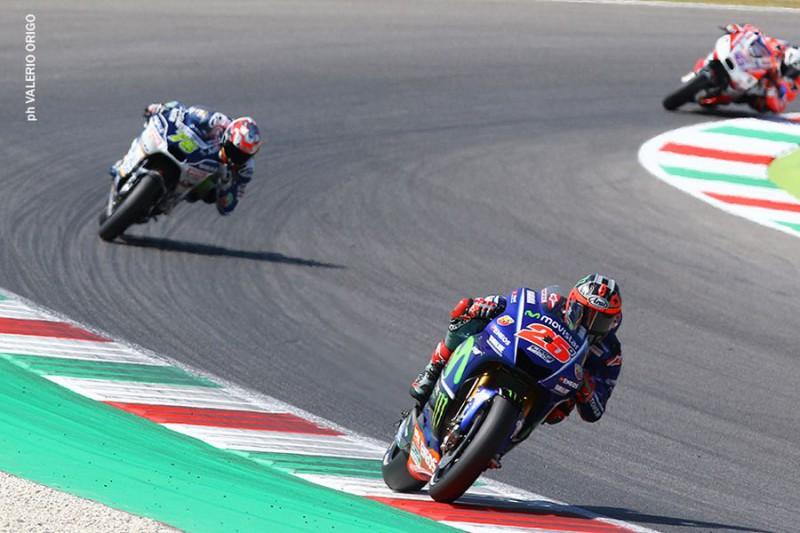 MotoGp Mugello, scivolata per Rossi: è secondo nelle quarte libere