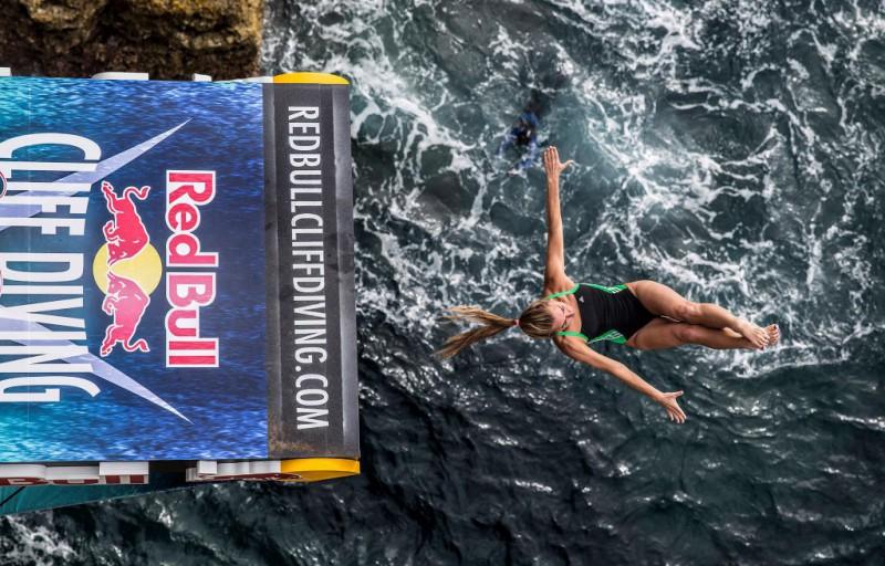 tuffi-grandi-altezze-tara-tira-foto-Romina-Amato-Photography-Red-Bull-Content-Pool.jpg