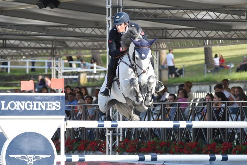 Lorenzo-De-Luca-Equitazione-Salto-Ostacoli-Foto-Proli-FISE.jpg
