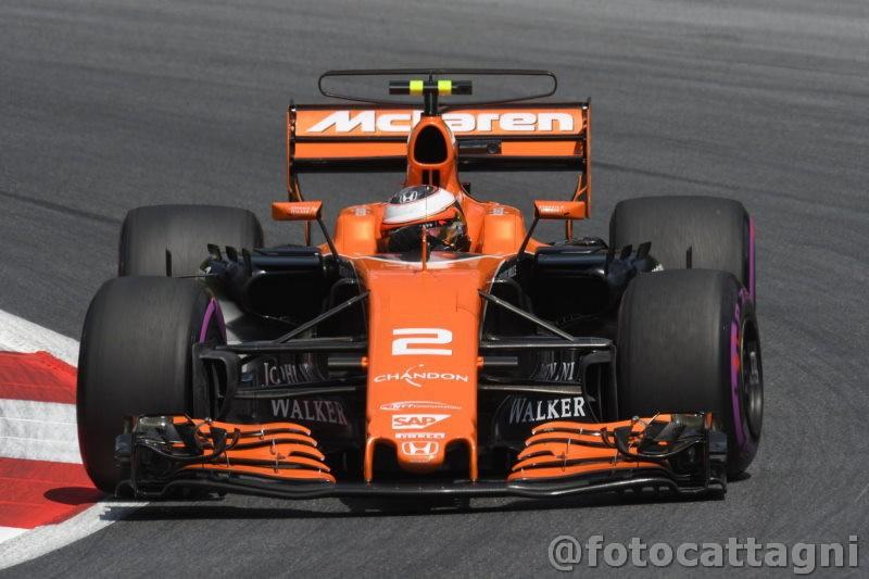 F1, Vandoorne in McLaren anche nel 2018: ufficiale il rinnovo del contratto