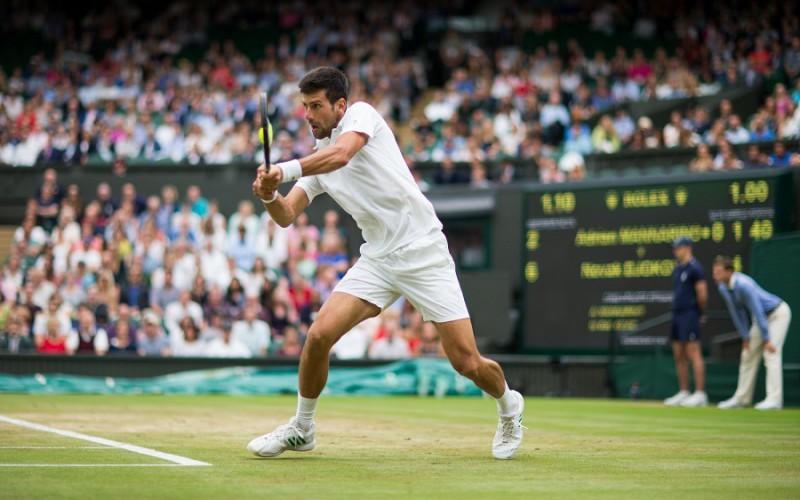 Nadal, che testata prima del match con Muller a Wimbledon