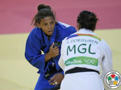 Judo, Grand Slam Abu Dhabi 2017: finale stellare tra le 57 kg, vince l'iridata Sumiya Dorjsuren sulla campionessa olimpica Rafaela Silva