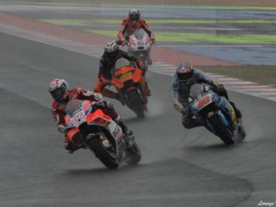 LIVE MotoGP, prove libere GP Malesia 2017 in DIRETTA: Dovizioso il più veloce sull'asciutto e sul bagnato, Marquez lo marca stretto, Valentino Rossi fuori dalla top10 nella classifica combinata