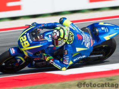 MotoGP, GP Valencia 2017. Risultato e classifica prove libere 1: Andrea Iannone il più veloce, Dovizioso, quarto, precede Marquez, male Rossi