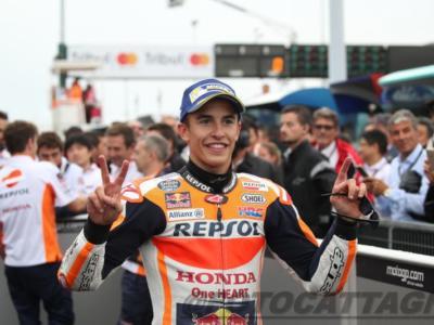 MotoGP, GP Valencia 2017: risultati e classifica qualifiche. Marquez pole con caduta davanti a Zarco ed a Iannone. Dovizioso chiude solo nono, Valentino Rossi è settimo