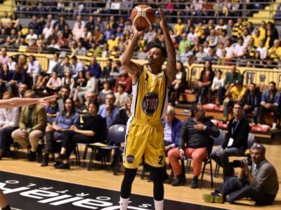 Basket, Eurocup 2017-2018: Della Valle trascina Reggio Emilia. Torino vince ancora e fa tre su tre. Trento spreca e si fa rimontare dal Tofas Bursa