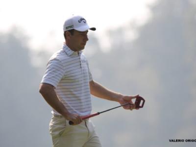 Golf, European Tour 2018: Chris Paisley in vetta al Maybank Championship prima dell'oscurità. Nino Bertasio 10°
