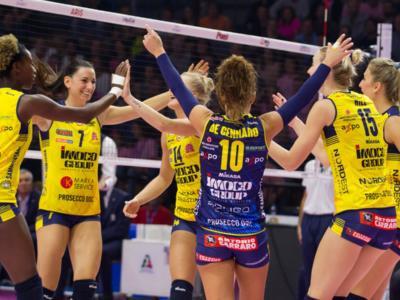 Volley femminile, Serie A1 – Prima giornata: Egonu trascina Novara contro Busto, Conegliano surclassa Casalmaggiore, Scandicci domina Modena