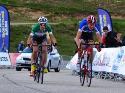 Ciclismo, Giro di Lombardia 2017 – Laurens De Plus sta bene dopo lo schianto e il volo oltre il guardrail
