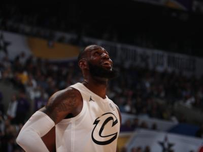 Basket NBA, LeBron James firma con i Los Angeles Lakers per quattro anni