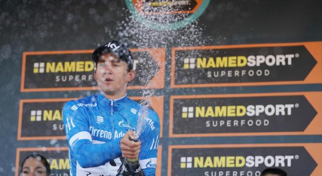 Tirreno-Adriatico 2018, Rohan Dennis vince la cronometro finale di San Benedetto. A Kwiatkowski la classifica generale, 2° un ottimo Damiano Caruso