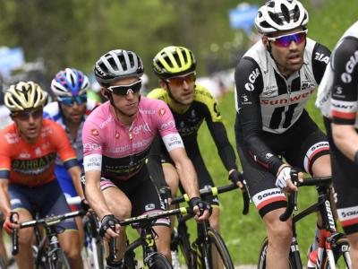 Giro d'Italia 2018, risultato 18a tappa: si riapre tutto! Yates va in crisi, Dumoulin e Pozzovivo guadagnano 27 secondi! Successo a Schachmann dopo una lunga fuga
