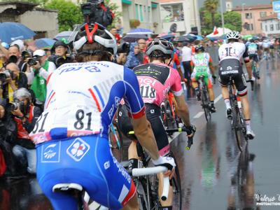LIVE Giro d'Italia 2018 in DIRETTA: Froome ribalta tutto e si prende la maglia rosa. Impresa memorabile