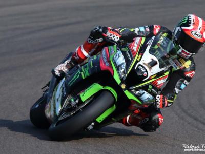 LIVE Superbike, GP Teruel 2020 DIRETTA: DOMINIO ASSOLUTO DI RINALDI! Battuto Rea, Redding cade e compromette il Mondiale