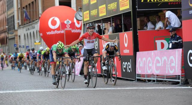 Giro d'Italia Under 23 2018: Giovanni Lonardi vince in volata, Philipsen in maglia rosa