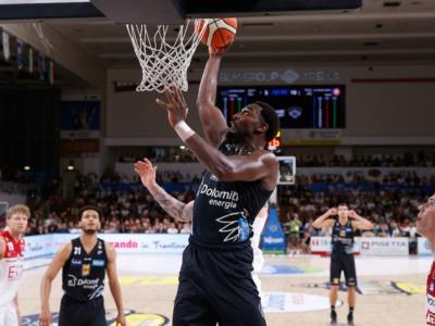Basket, Finale Scudetto 2018: Trento ritrova Sutton e Hogue. La Dolomiti vince gara-3 e riapre la serie con Milano