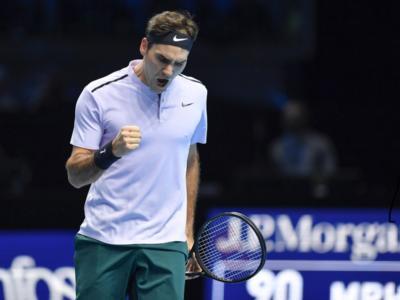 Tennis, ATP Finals 2018: Roger Federer vola alle semifinali da leader! Kevin Anderson battuto ma comunque qualificato