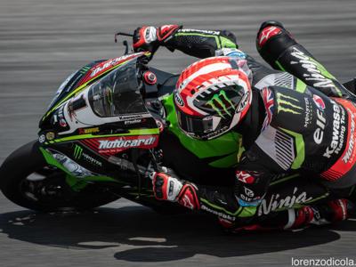 Superbike, GP San Marino 2018: Jonathan Rea inesorabile anche in gara-1 a Misano, precede Davies e Laverty