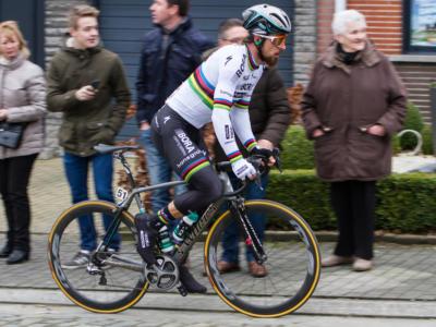 VIDEO Peter Sagan: lo slovacco premia Alejandro Valverde con la medaglia d'oro ai Mondiali di ciclismo