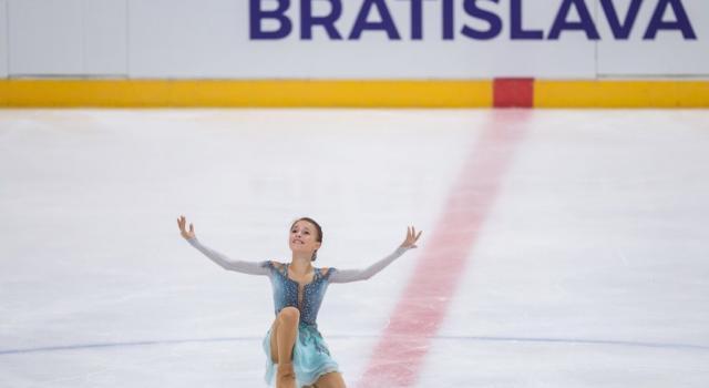 Pattinaggio artistico, Junior Grand Prix Bratislava 2018: Anna Shcherbakova incanta nel singolo femminile. Khudaiberdieva-Nazarov trionfano nella danza