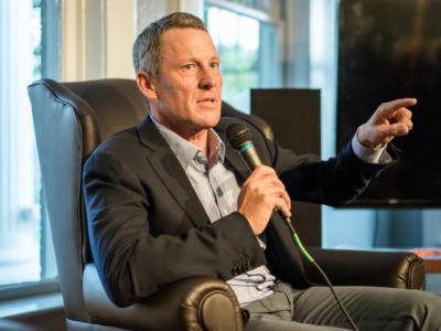 """Ciclismo, Lance Armstrong: """"Non cambierei niente, avevo bisogno di una fusione nucleare"""". Poi le scuse generali"""