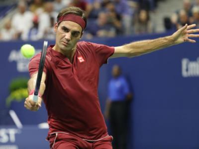 """Tennis, Adriano Panatta su Roger Federer: """"Il migliore di tutti, l'unico che avrebbe potuto giocare con le racchette di legno"""""""