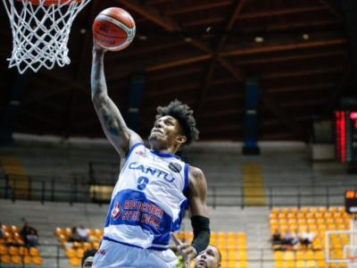 Basket, Champions League 2018-2019: Cantù cade tra le mura amiche contro Anversa per 76-84. Domenica serve la rimonta per qualificarsi